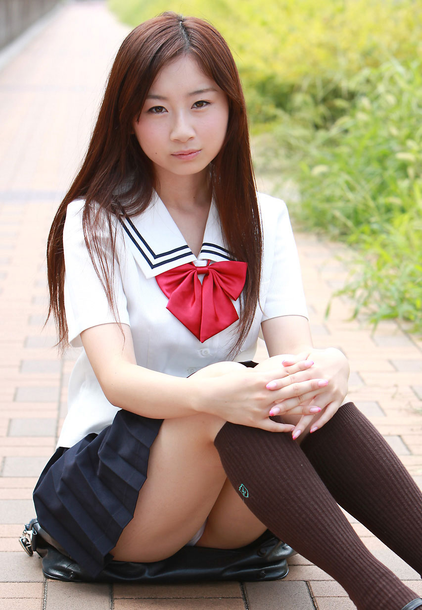 女子高生のパンチラ85
