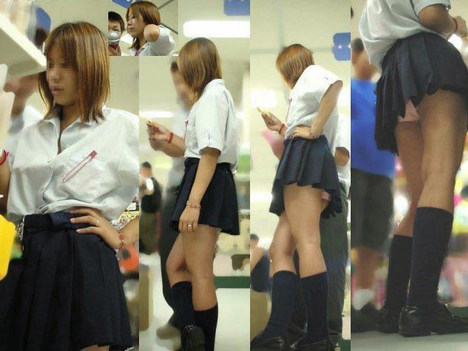 女子高生のパンチラ33