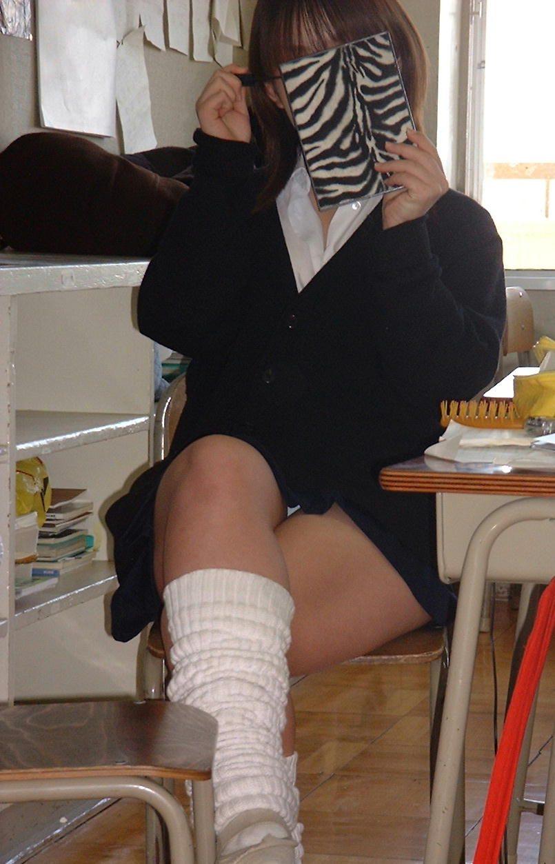 女子高生のパンチラ161